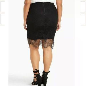 Torrid black lace web pencil skirt sz 1 (16)